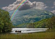 Regenbogen über dem Lough Stockfotos