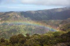 Regenbogen über Kauai lizenzfreies stockfoto