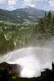 Regenbogen über Krimml-Wasserfällen, Österreich Stockfotos