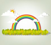 Regenbogen über Wald Stockfotografie