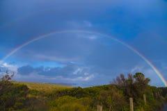 Regenbogen auf dem Himmel lizenzfreies stockbild