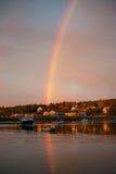 Regenbogen auf Südwesthafen Stockfotos