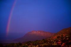 Regenbogen an den Bögen Nationalpark, Utah, USA Stockfotografie