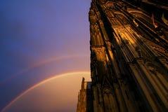 Regenbogen in den Dom Stockfoto