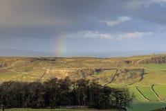 Regenbogen in den Yorkshire-Tälern Stockfoto