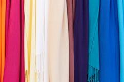 Regenbogen des hellen Tuches stockfotografie