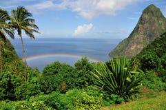 Regenbogen durch den Kletterhaken Stockbild