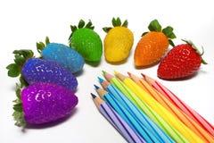Regenbogen-Erdbeere Lizenzfreies Stockbild