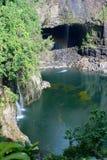 Regenbogen-Fälle ist ein Wasserfall, der in Hilo, Hawaii gelegen ist Stockfotografie