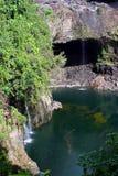 Regenbogen-Fälle ist ein Wasserfall, der in Hilo, Hawaii gelegen ist Lizenzfreie Stockfotos
