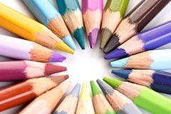 Regenbogen farbige Bleistifte - Nahaufnahme Stockbild