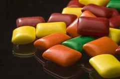 Regenbogen farbiger Kaugummi Stockfotografie