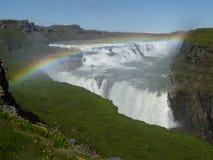 Regenbogen in Gulfoss Island lizenzfreie stockfotografie