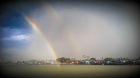 Regenbogen im Fluss Lizenzfreie Stockbilder