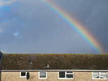 Regenbogen im Himmel stockfotografie