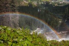 Regenbogen in krimml Wasserfällen Österreich Stockbilder