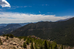 Regenbogen-Kurve übersehen in Rocky Mountain National Park Lizenzfreies Stockfoto