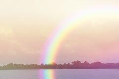 Regenbogen-Landschaftsruhiger Hintergrund Lizenzfreies Stockbild