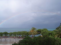 Regenbogen nach Sturm Lizenzfreie Stockbilder