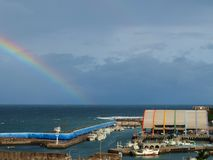 Regenbogen- und Regenbogenaufbau Lizenzfreies Stockbild