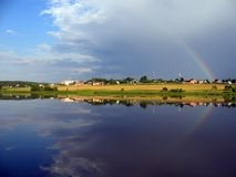 Regenbogen und Wasser Stockfotos