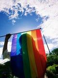 Regenbogenflagge im Sonnenlicht Lizenzfreie Stockfotografie