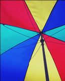 Regenbogenregenschirm Stockbilder