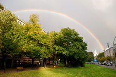 Regenboog in Berlijn Stock Afbeelding