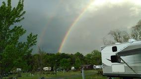Regenboog bij het Kampeerterrein Stock Foto