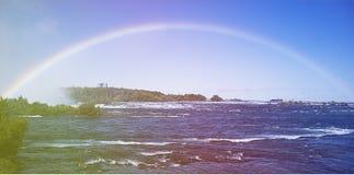 Regenboog bij Niagara Falls Stock Foto's