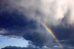 Regenboog in de hemel Stock Foto