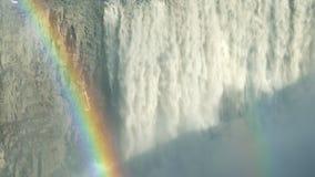 Regenboog en Waterval stock footage