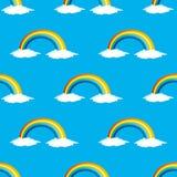 Regenboog en witte wolken Stock Foto