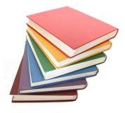 Regenboog gekleurde boeken Stock Afbeeldingen