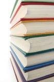 Regenboog gekleurde boeken stock afbeelding