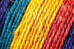 Regenboog-gekleurde hennepkabel Stock Afbeeldingen