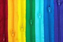 Regenboog gekleurde ritssluitingen Stock Foto's
