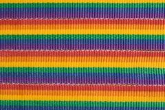 Regenboog gekleurde stoffenstrepen Stock Foto