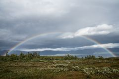 Regenboog in het Noorden Stock Afbeeldingen