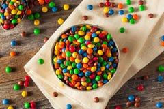 Regenboog Kleurrijke Suikergoed Met een laag bedekte Chocolade stock foto's