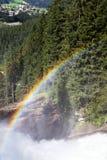 Regenboog in Krimml-waterval, Hoge Taurn Oostenrijk Stock Foto's