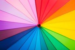 Regenboog multicolored achtergrond van een paraplu Royalty-vrije Stock Fotografie