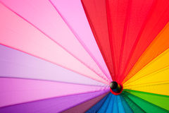 Regenboog multicolored achtergrond van een paraplu Stock Afbeeldingen