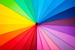 Regenboog multicolored achtergrond van een paraplu Royalty-vrije Stock Foto's