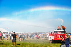 Regenboog in muziekfestival Stock Afbeeldingen