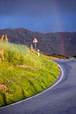 Regenboog na die kromme Royalty-vrije Stock Afbeelding