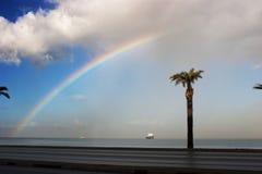 Regenboog op het overzees Stock Afbeeldingen