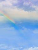 Regenboog over de wolk Royalty-vrije Stock Foto's