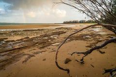 Regenboog over Fraser Island in Queensland, Australië royalty-vrije stock afbeeldingen