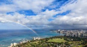 Regenboog over Hawaï Stock Afbeelding
